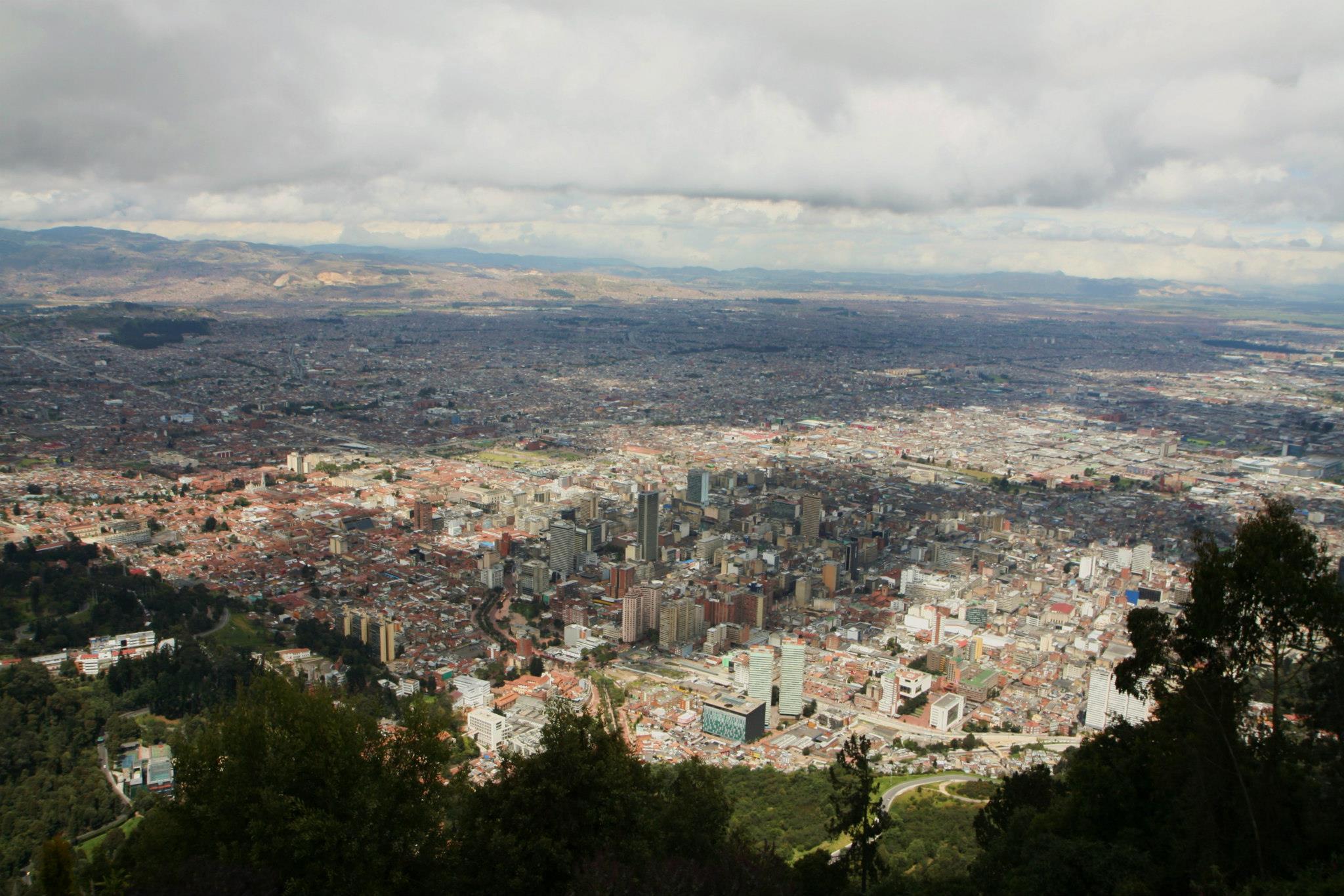 Bogotá, uitzicht over de hoofdstad van Colombia vanaf de Monserrate berg in het oosten van de stad.
