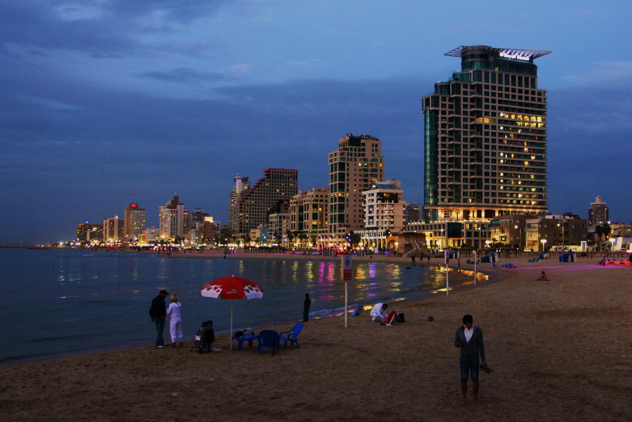 Ge'Ula beach in Tel Aviv