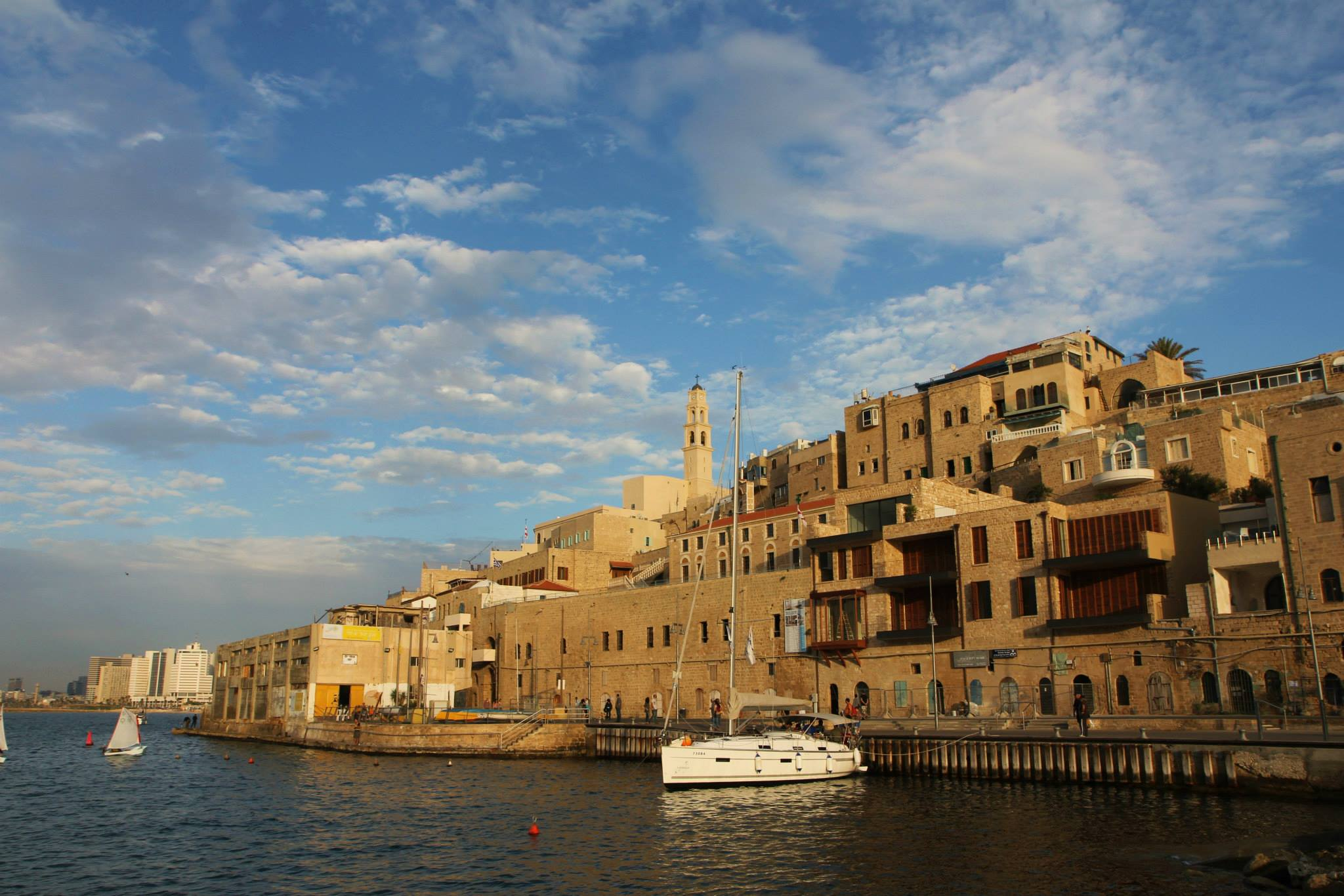 De oude haven van Jaffa in Tel Aviv