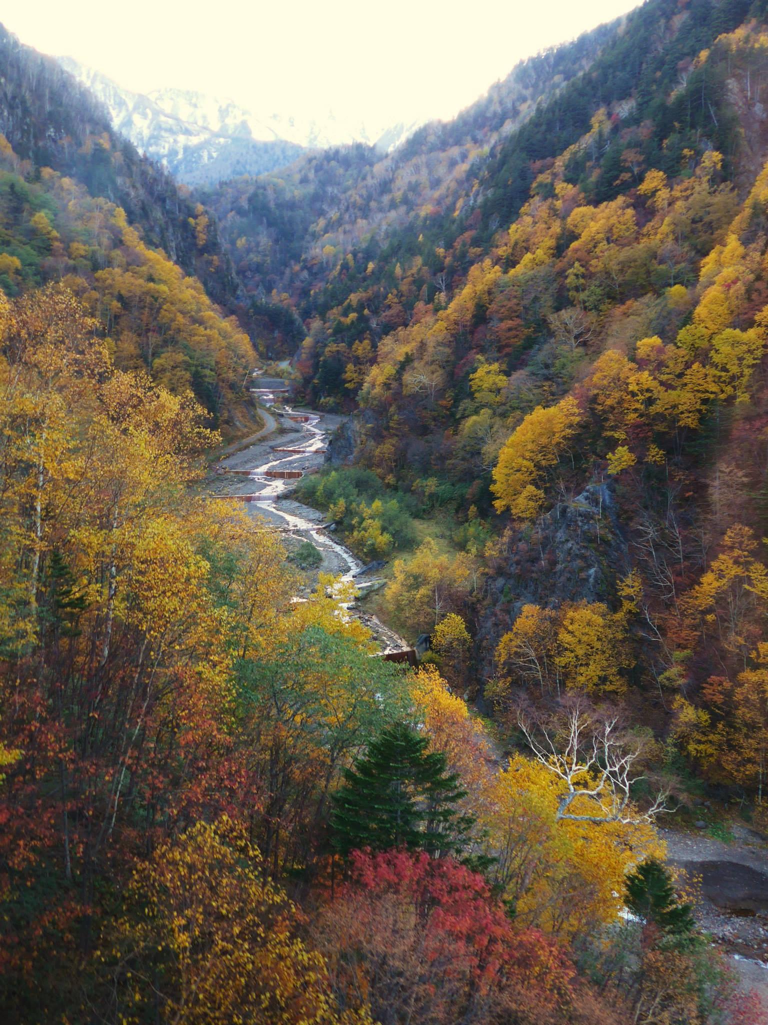 Mooie herfstkleuren in Sounkyo
