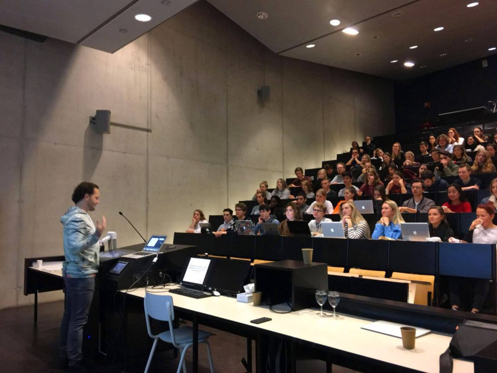 Gastcollege over publieksinteractie op de School voor Journalistiek in Utrecht